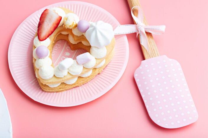 Silicone Polkadot Spatula with Cake